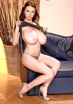 Big Tits Babes Pictures