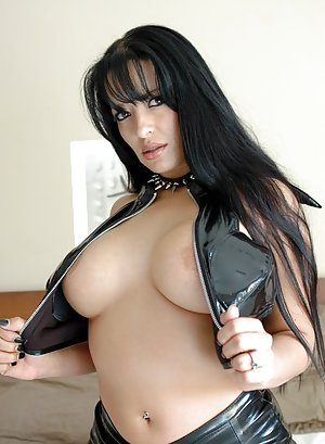 Big Tits in Latex Pictures