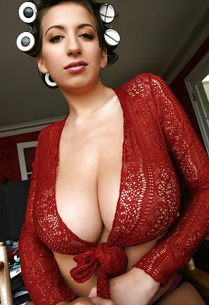 Big Tits Reality Pictures