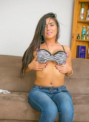 Big Tits in Jeans Pictures